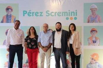 Fundación Perez Scremini y representantes de Creditel.Gerardo Zambrano, Jacqueline Cheirasco, Luis Castillo, Martín Bufano y Lucía López