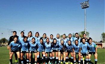 La selección uruguaya femenina sub 20 que se prepara para el Sudamericano de Argentina