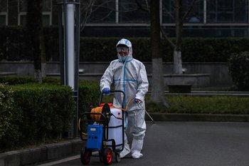 La OMS inició una investigación en enero en la que envió a sus expertos a Wuhan para indagar sobre el origen del covid-19