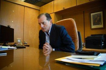 Archivo. Guido Manini Ríos durante una entrevista