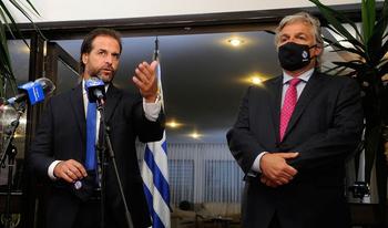 El presidente Luis Lacalle Pou y su canciller, Francisco Bustillo