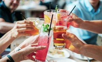 Especialistas relacionan el mayor consumo de alocohol con el estrés causado por la pandemia