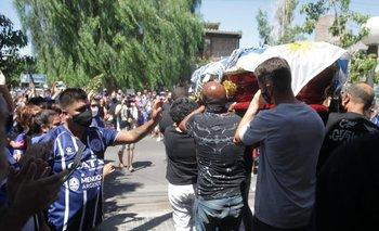 La madre y el hermano del Morro García llevaron el féretro que tenía la bandera uruguaya encima