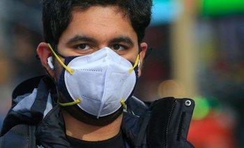 El uso de doble tapabocas aumenta hasta el 92,5% la protección contra gotículas