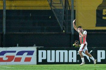 Maxi Cantera festeja el empate