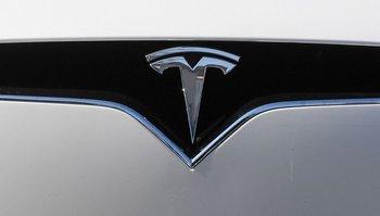Accidente de tránsito de un Tesla causa dos muertes en Houston,  EEUU