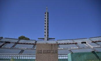 El monolito a Raúl Blengio Salvo en el Estadio Centenario