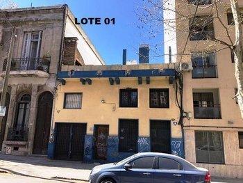 El lote 1 consta de un local ubicado en Cordón sur, desarrollado en tres niveles.