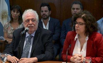 Ginés González García, exministro de Salud de Argentina, con Carla Vizzoti, su sustituta