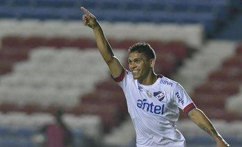 Ocampo celebra su gol ante Fénix
