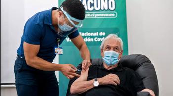 Sebastián Piñera recibió la vacuna cuando en su país ya había 1,5 millones de inmunizados
