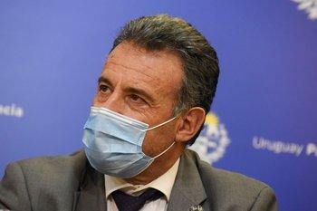 Salinas explicó que la tercera dosis con Pfizer para vacunados con Sinovac ayudará a fortalecer el nivel de anticuerpos ante la llegada de la variante delta