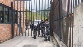 La policía de Ecuador informó que intentará retomar el control en los sitios afectados