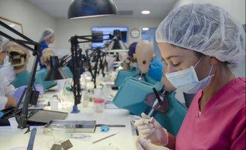 En 2021 la carrera de Odontología incorpora una serie de cambios y novedades.