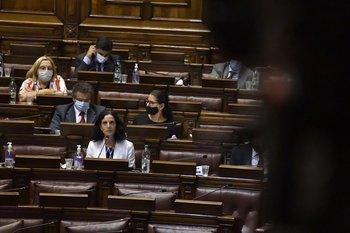 La ministra de Economía durante su comparecencia en el Parlamento este miércoles