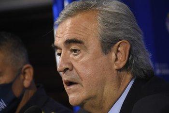 La decisión se tomó luego de una charla entre el ministro del Interior y el de Salud Pública, Daniel Salinas