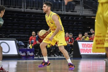 Alex López, dos triples claves