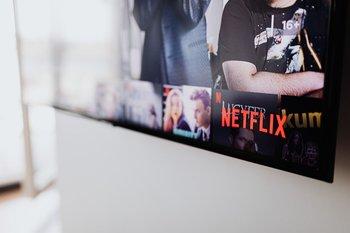 Netflix permite ver su contenido sin internet aunque no se haya terminado de descargar