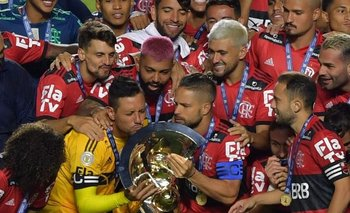 Giorgian, platinado, suma otra copa en Flamengo