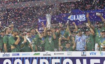 Aguada celebró el título de la Liga Uruguaya de Básquetbol
