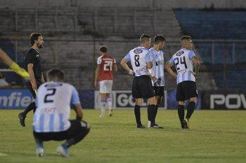 Los jugdores de Cerro ya palpitan el descenso a Segunda división