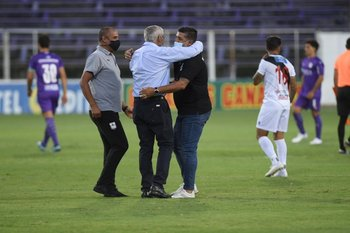 Gregorio y Leo Ramos, el saludo previo