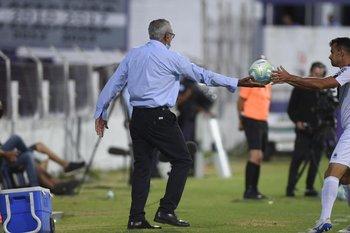 Gregorio se la alcanza a Leandro Sosa