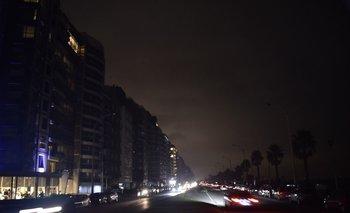 Foto de archivo. El apagón masivo ocurrió luego de las 20 horas de este martes, y afectó a 63 mil clientes