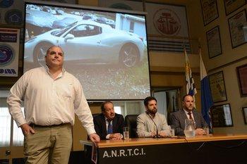 Mario Molina fue el encargado de rematar el vehículo