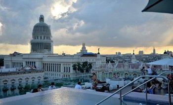 Vista de La Habana desde un lujoso hotel