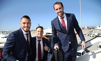Diego Godín antes de emprender vuelo rumbo a Turín para enfrentar a Juventus