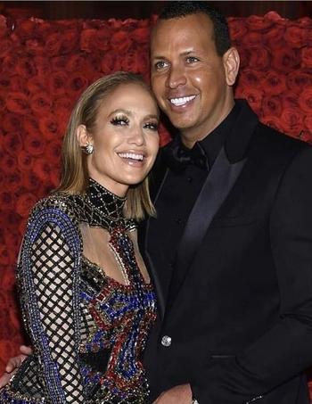 Jennifer López junto a su futuro esposo, Alex Rodríguez