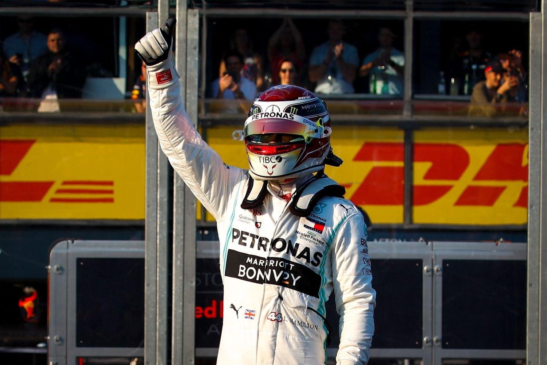 Lewis Hamilton logró la pole y largará primero en el Gran Premio de Australia