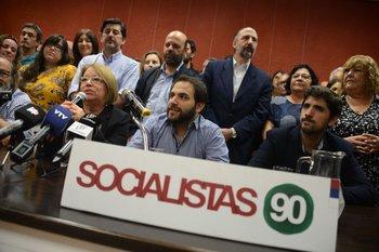 El Partido Socialista saludó a Castillo por su victoria aunque todavía no sea oficial