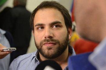 Civila es actual diputado y secretario general del Partido Socialista
