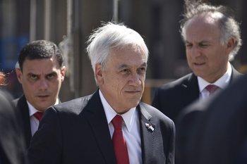 Sebastián Piñera anuncia una nueva Constitución.