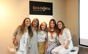 Dominique Sarries, Luz Mara Sande, Rose Galfione, Florencia Ducos y Camila Galfione