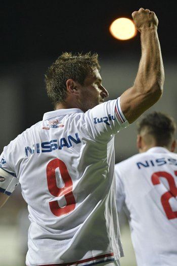 Bergessio dedica su gol a la tribuna
