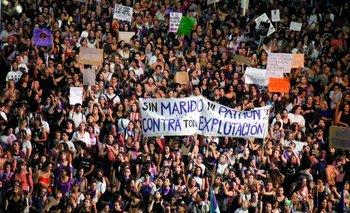 Este año, a causa de la pandemia, las organizaciones feministas no convocaron a la clásica marcha multitudinaria por la avenida 18 de Julio, pero proponen distintas actividades
