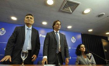 El director de la OPP Isaac Alfie, el presidente Luis Lacalle y la ministra de Economía Azucena Arbeleche