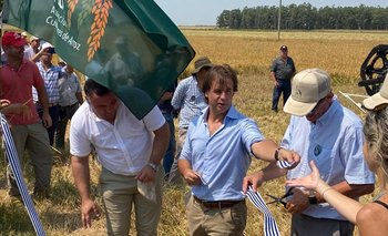 La inauguración de la cosecha de arroz 2020 se realizó en Bella Unión.