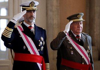 Rey Felipe VI y su padre, el rey emérito Juan Carlos.