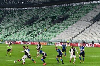 El domingo 8 de marzo, jugaron sin espectadores, Juventus e Inter, en Italia