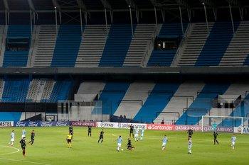 La Libertadores no fue ajena a estadios vacíos, en este caso para el partido Racing - Alianza de Lima