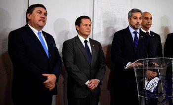 Mario Abdo, presidente paraguayo, comunicó la medida en conferencia de prensa.