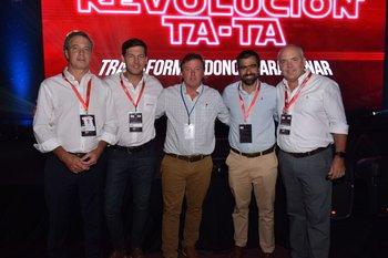 Michael Skinner, Agustin Lambert, Christian Thomas, Enrique Herrera y Eduardo Savage