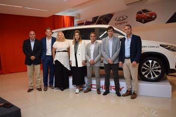 Antonio Correa, Patrick Jakter, Graciela Lemper, Shalma Suarez, Richard Caballero, Mario Nuñez y Marcelo Jelen