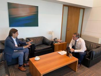 El secretario de Presidencia, Álvaro Delgado, y el presidente del Frente Amplio, Javier Miranda, se reunieron este lunes