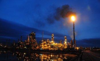 El petróleo y el dólar aumentaron y le ponen presión a las finanzas de la principal empresa del Estado.