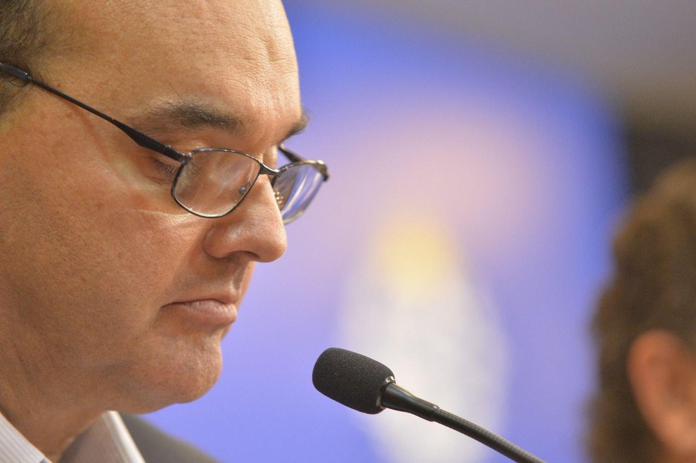 Gobierno testeará a todos los pacientes y funcionarios de 1.208 residenciales